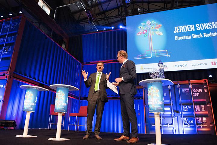 Personal finance day in de Kromthouthallen in Amsterdam Noord. Een event van BNR en Het Financieel dagblad.  copyright: Sander Nieuwenhuys